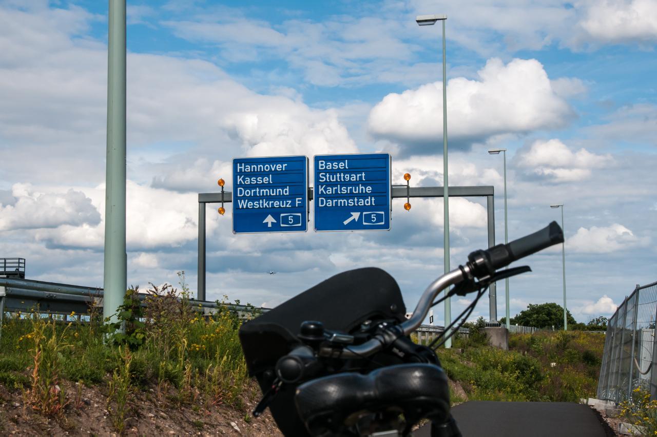 Mit dem Fahrrad zum Frankfurter Flughafen